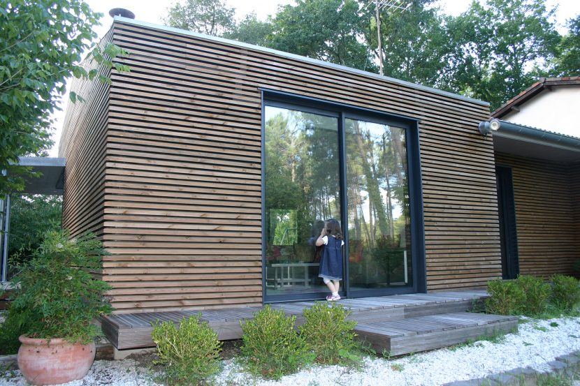 Lassime-Extension-en-ossature-bois-dune-maison-photo-n°3-façade-@a_traits-architecture-1.jpg