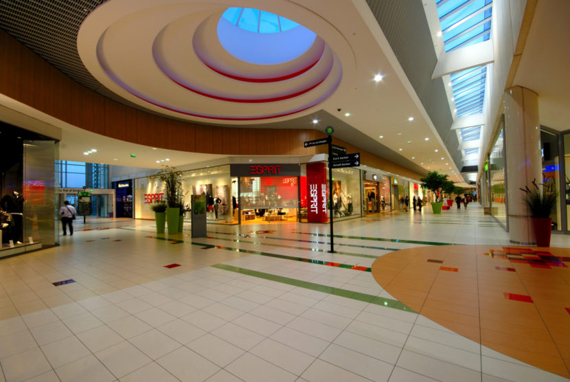 Commercial_AuchanLaSauraie_Photo4_web.jpg
