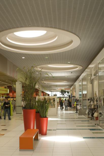 Commercial_AuchanLaSauraie_Photo6_web.jpg